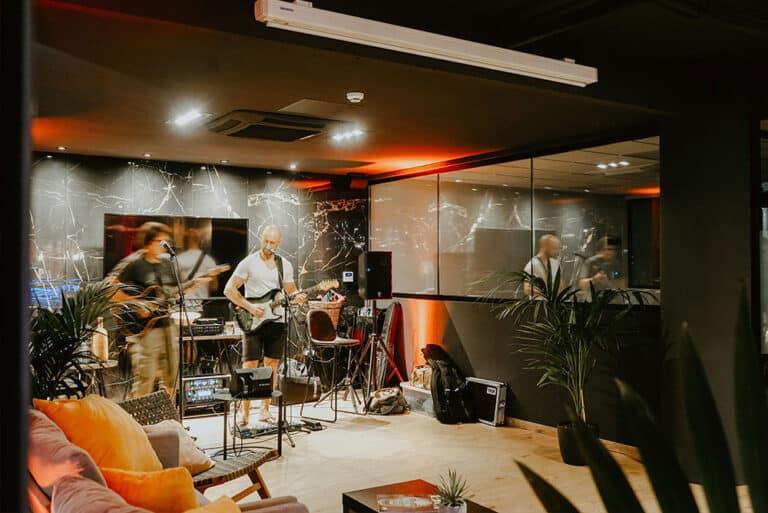 Members-Lounge-3
